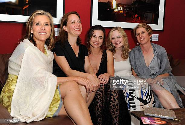 Executive producer Meredith Vieira director Liza Johnson actress Linda Cardellini actress Louisa Krause and director photography Annes Etheridge...