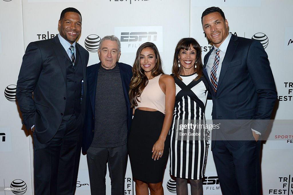 Executive producer Michael Strahan, Tribeca Film Festival co-founder Robert De Niro, October Gonzalez, Judy Gonzalez, and Tony Gonzalez attend the Tribeca/ESPN Sports Film Festival Gala for the premiere of 'Play It Forward' during the 2015 Tribeca Film Festival at BMCC Tribeca PAC on April 16, 2015 in New York City.