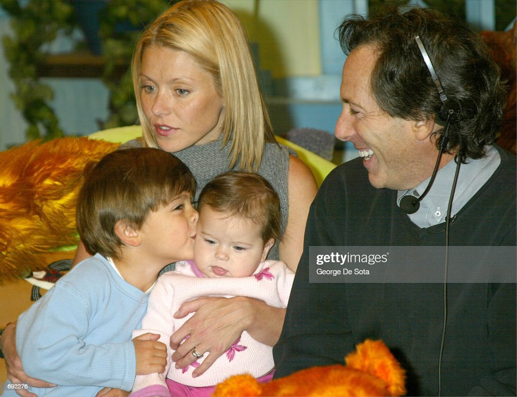 kelly ripa and the u0027bear in the big blue house u0027 pictures getty