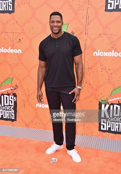 Executive Producer of Nickelodeon Kids' Choice Sports Awards Michael Strahan attends the Nickelodeon Kids' Choice Sports Awards 2016 at UCLA's Pauley...