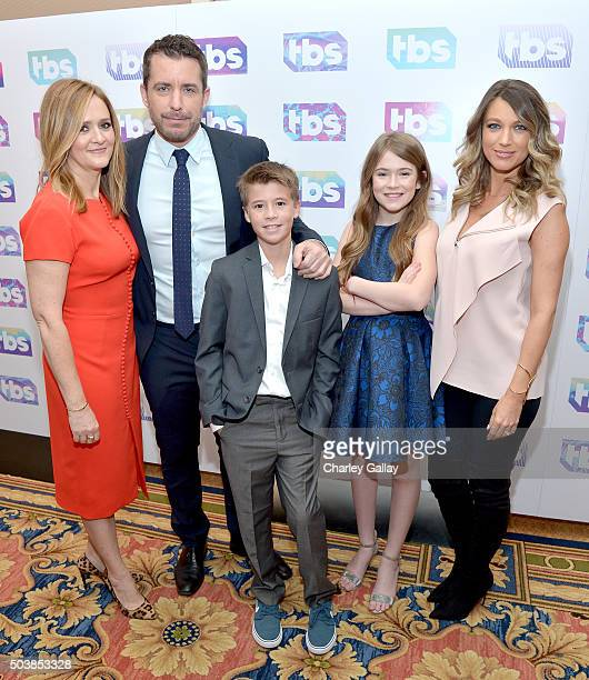 Executive producer Samantha Bee actor/executive producer Jason Jones actors Liam Carroll Ashley Gerasimovich and Natalie Zea of 'Detour' attend the...
