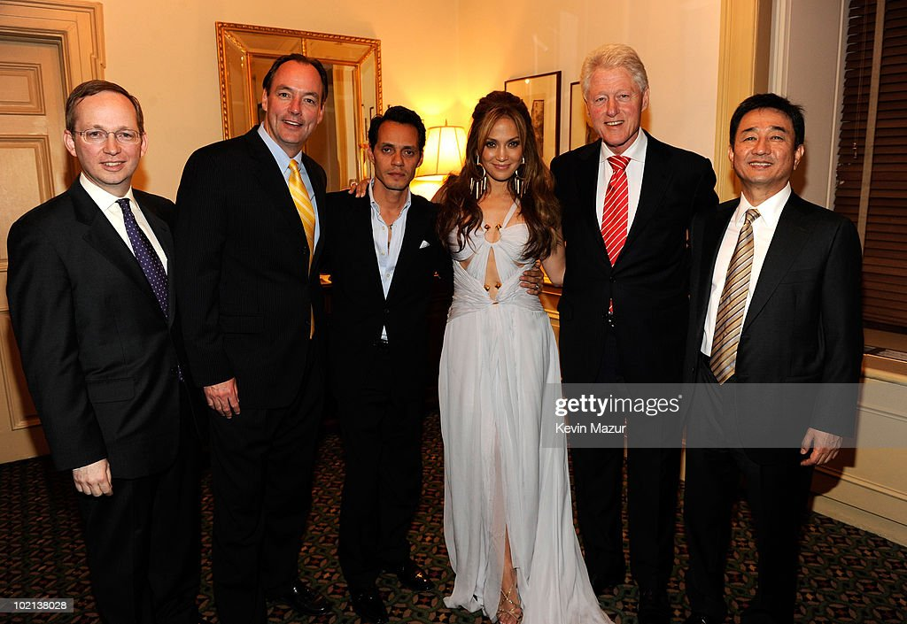 Executive VP Samsung Electronics America David Steel, president of Samsung Electronics America Tim Baxter, Marc Anthony, Jennifer Lopez, President Bill Clinton and president and CEO of Samsung Electronics America CS Choi backstage at Samsung's 9th Annual Four Seasons of Hope Gala at Cipriani Wall Street on June 15, 2010 in New York City.