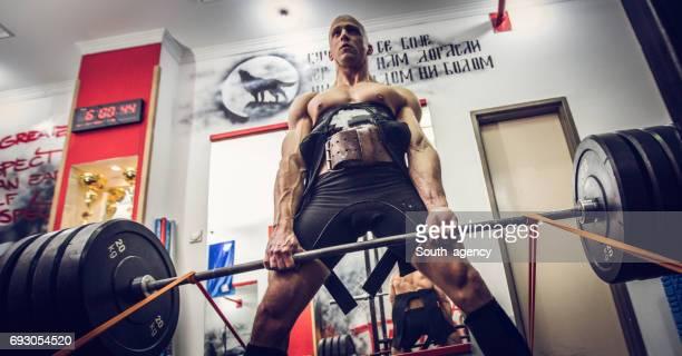 Exercice avec les poids et haltères