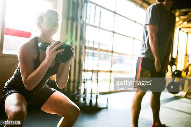 Exercices avec Kettlebells salle de sport