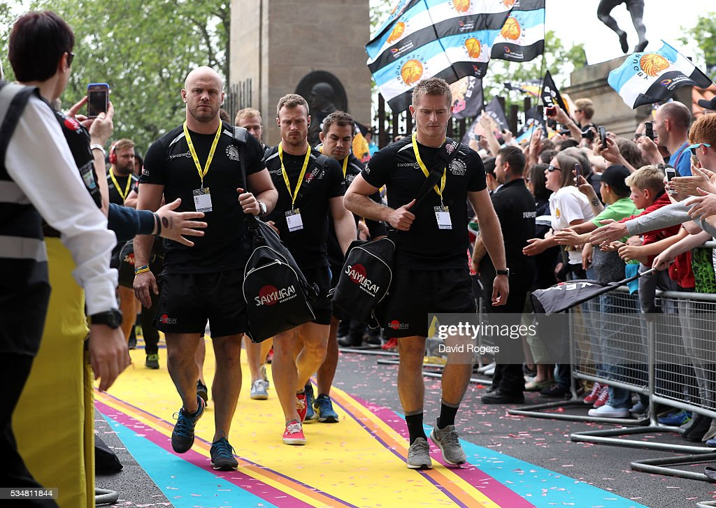 Exeter Chiefs arrive ahead of the Aviva Premiership final match between Saracens and Exeter Chiefs at Twickenham Stadium on May 28, 2016 in London, England.