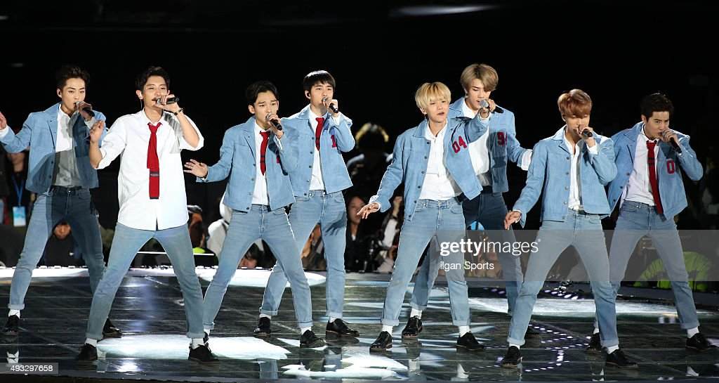 Exo perform onstage during the One K concert at Seoul World Cup Stadium on October 9, 2015 in Seoul, South Korea.