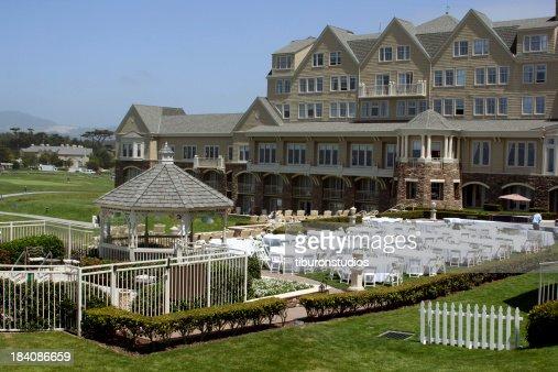 Fancy Backyard Wedding : Expensive Outdoor Wedding Venue in California