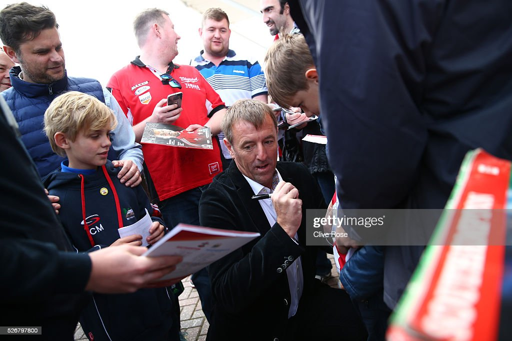 Ex-Southampton legend Matt Le Tissier signs autographs prior to the Barclays Premier League match between Southampton and Manchester City at St Mary's Stadium on May 1, 2016 in Southampton, England.