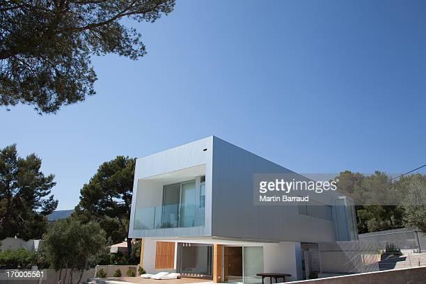 Modern villa foto e immagini stock getty images for Architettura moderna della casa