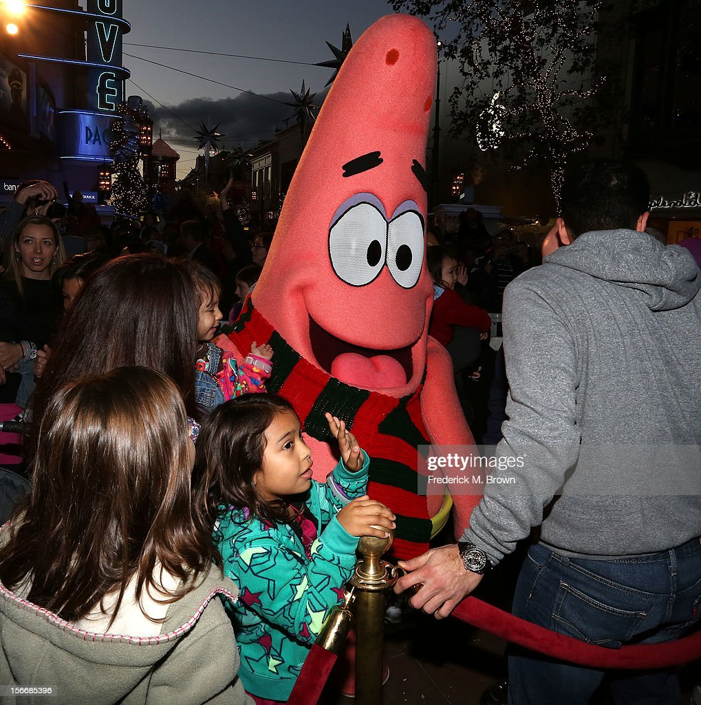 Exterior view during Nickelodeon's Spongebob Holiday Extravapants At The Grove on November 18, 2012 in Los Angeles, California.