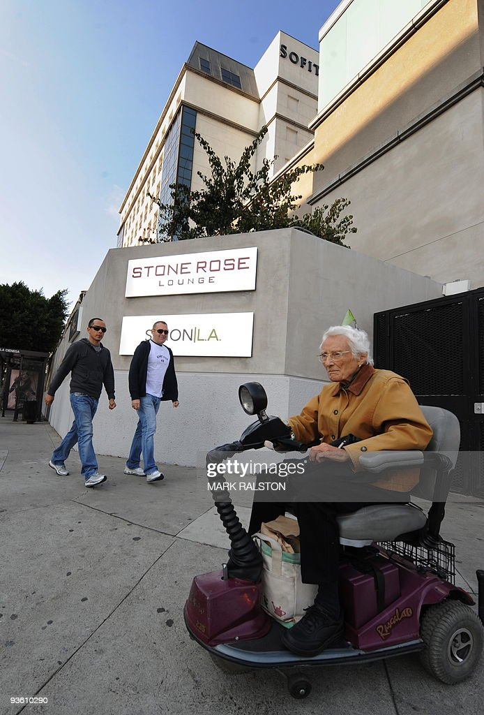 Exterior view of the Stone Rose Lounge which is on the ground floor of a hotel complex, where waitress Jaimee Grubbson was employed in West Hollywood, on December 2, 2009. Tiger Woods apologized for 'transgressions' in his family life as a magazine posted what it said was evidence of an extramarital affair between the golf superstar and a cocktail waitress. It came hours after the celebrity magazine Us Weekly posted an online recording of what it said was Woods begging Los Angeles waitress Jaimee Grubbs to change her voicemail to hide their affair from his wife Erin. AFP PHOTO/Mark RALSTON