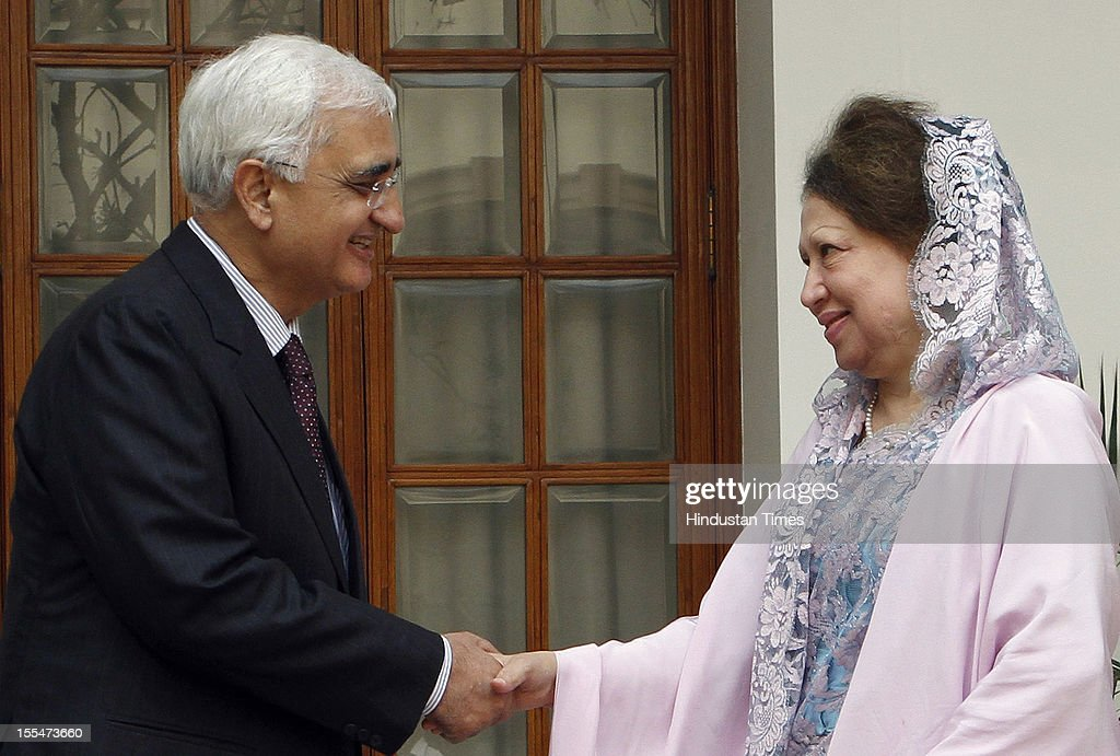External Affairs Minister Salman Khursheed greets Begum <a gi-track='captionPersonalityLinkClicked' href=/galleries/search?phrase=Khaleda+Zia&family=editorial&specificpeople=647544 ng-click='$event.stopPropagation()'>Khaleda Zia</a>, Leader of Opposition and President of the Bangladesh Nationalist Party of the People's Democratic Republic of Bangladesh, at Hyderabad House on October 30, 2012 in New Delhi, India.