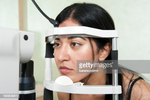 Esame oculistico in ospedale : Stock Photo