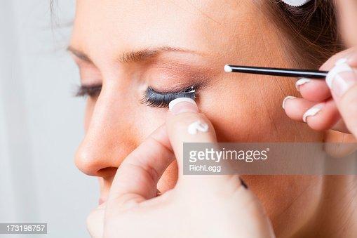 Eyelash Application