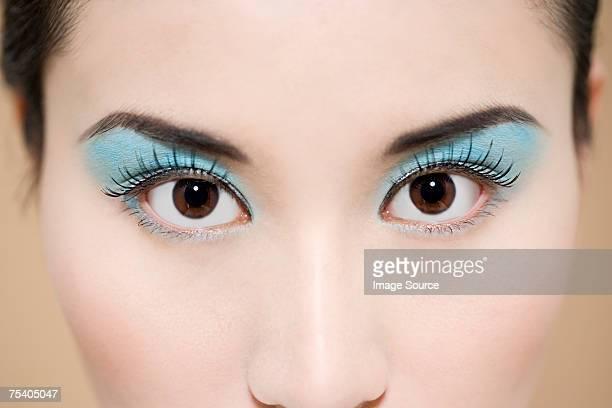 Augen von eine junge Frau