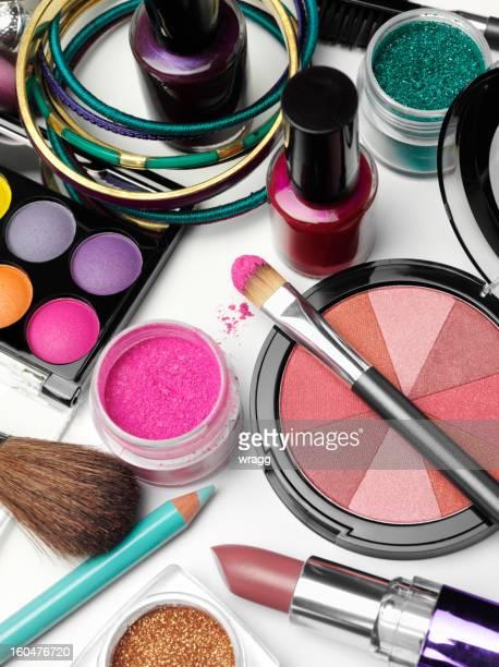 Fard à paupières et de cosmétiques
