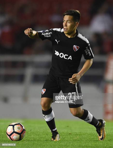 Ezequiel Barco of Independiente drives the ball during a second leg match between Independiente and Nacional as part of the quarter finals of Copa...