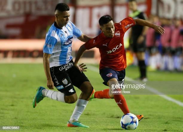 Ezequiel Barco of Independiente f* Diego Montiel of Atletico Rafaela during a match between Independiente and Atletico de Rafaela as part of Torneo...