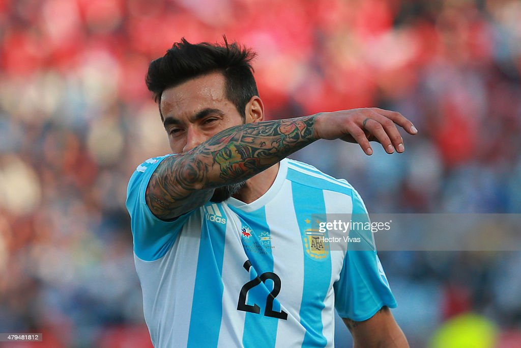 Ezequiel Lavezzi of Argentina gestures during the 2015 Copa America Chile Final match between Chile and Argentina at Nacional Stadium on July 04 2015...