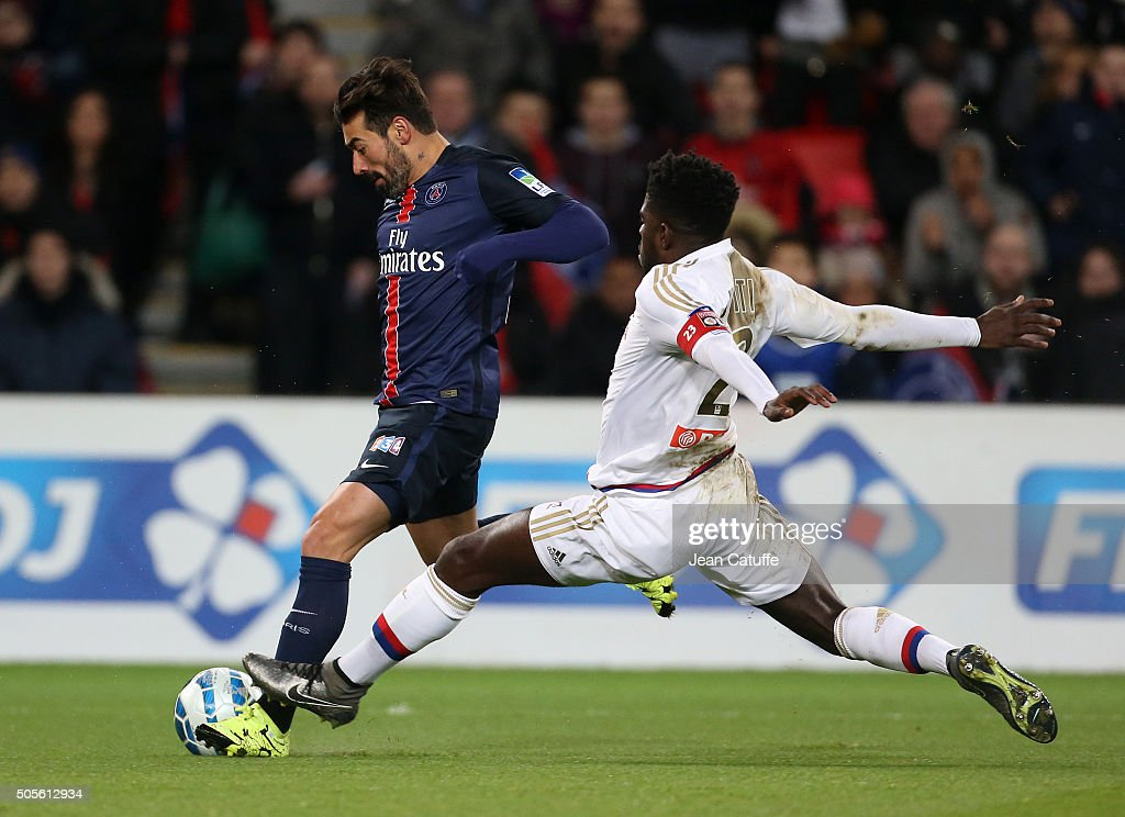 <a gi-track='captionPersonalityLinkClicked' href=/galleries/search?phrase=Ezequiel+Lavezzi&family=editorial&specificpeople=5451126 ng-click='$event.stopPropagation()'>Ezequiel Lavezzi</a> of PSG and <a gi-track='captionPersonalityLinkClicked' href=/galleries/search?phrase=Samuel+Umtiti&family=editorial&specificpeople=7123899 ng-click='$event.stopPropagation()'>Samuel Umtiti</a> of Lyon in action during the French League Cup (Coupe de la Ligue) match between Paris Saint-Germain (PSG) and Olympique Lyonnais (OL, Lyon) at Parc des Princes stadium on January 13, 2016 in Paris, France.