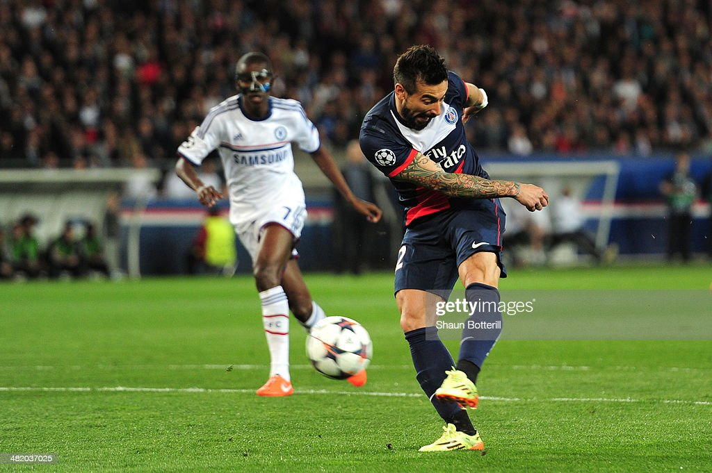 Ezequiel Lavezzi of PSG scores the opening goal during the UEFA Champions League quarter final first leg match between Paris Saint Germain and...
