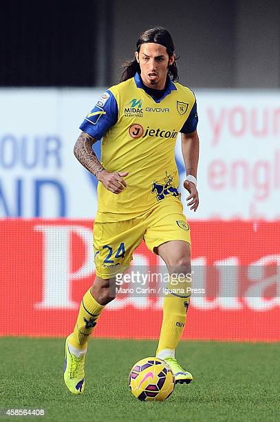 Ezequiel Schelotto of AC Chievo Verona in action during the Serie A match between AC Chievo Verona and US Sassuolo Calcio at Stadio Marc'Antonio...
