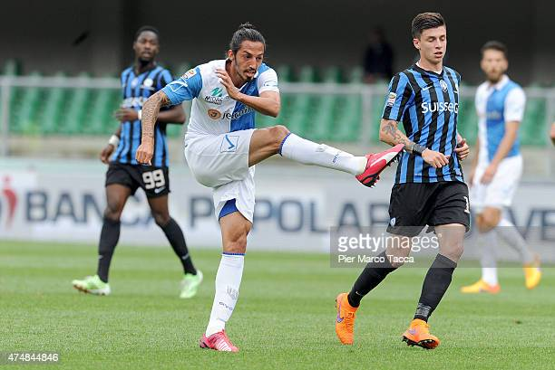 Ezequiel Schelotto of AC Chievo Verona in action during the Serie A match between AC Chievo Verona and Atalanta BC at Stadio Marc'Antonio Bentegodi...