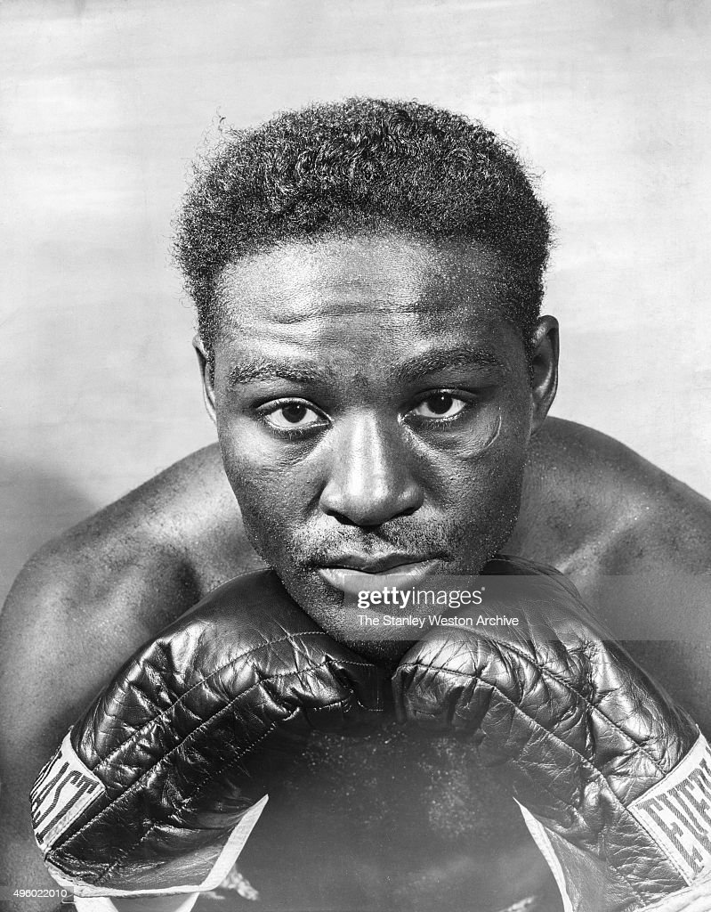 <a gi-track='captionPersonalityLinkClicked' href=/galleries/search?phrase=Ezzard+Charles&family=editorial&specificpeople=215068 ng-click='$event.stopPropagation()'>Ezzard Charles</a> poses for a portrait circa 1949 in Cincinnati, Ohio.