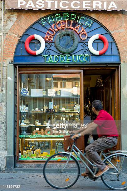 Fabbrica Taddeucci patisserie shop and cafe in Piazza San Michele Lucca Italy