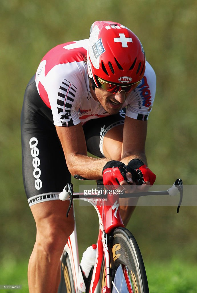<a gi-track='captionPersonalityLinkClicked' href=/galleries/search?phrase=Fabian+Cancellara&family=editorial&specificpeople=573515 ng-click='$event.stopPropagation()'>Fabian Cancellara</a> of Switzerland in action on his way to winning the Elite Men's Time Trial at the 2009 UCI Road World Championships on September 24, 2009 in Mendrisio, Switzerland.