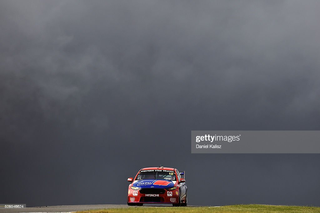 <a gi-track='captionPersonalityLinkClicked' href=/galleries/search?phrase=Fabian+Coulthard&family=editorial&specificpeople=678657 ng-click='$event.stopPropagation()'>Fabian Coulthard</a> drives the #12 DJR Team Penske Ford Falcon FGX during practice for the V8 Supercars Perth SuperSprint at Barbagallo Raceway on May 6, 2016 in Perth, Australia.
