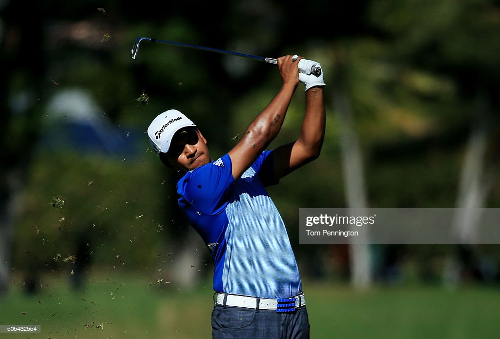 Fabian Gomez of Argentina plays a shot on the eighth hole during the final round of the Sony Open In Hawaii at Waialae Country Club on January 17...