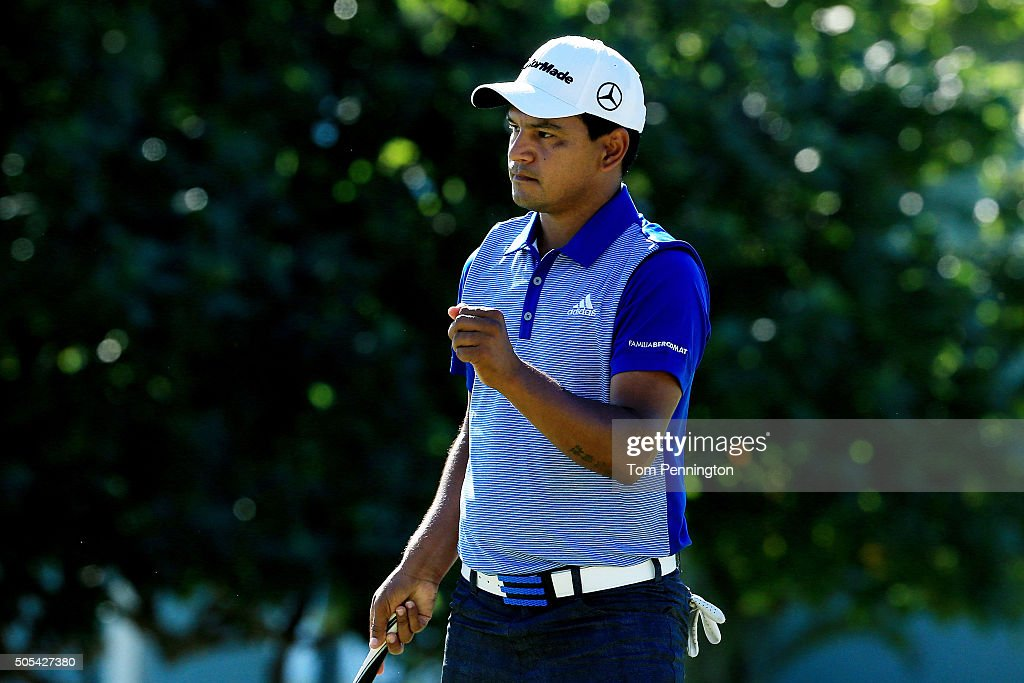 Fabian Gomez of Argentina reacts on the 11th green during the final round of the Sony Open In Hawaii at Waialae Country Club on January 17 2016 in...