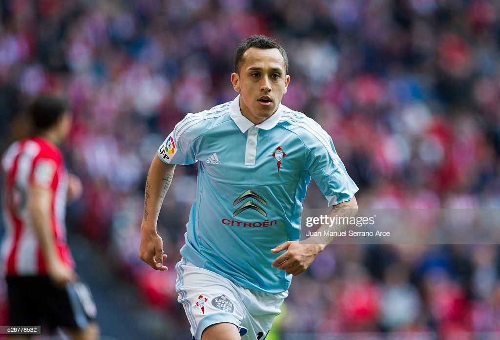 Fabian Orellana of RC Celta de Vigo after scoring goal during the La Liga match between Athletic Club Bilbao and RC Celta de Vigo at San Mames Stadium on on May 01, 2016 in Bilbao, .