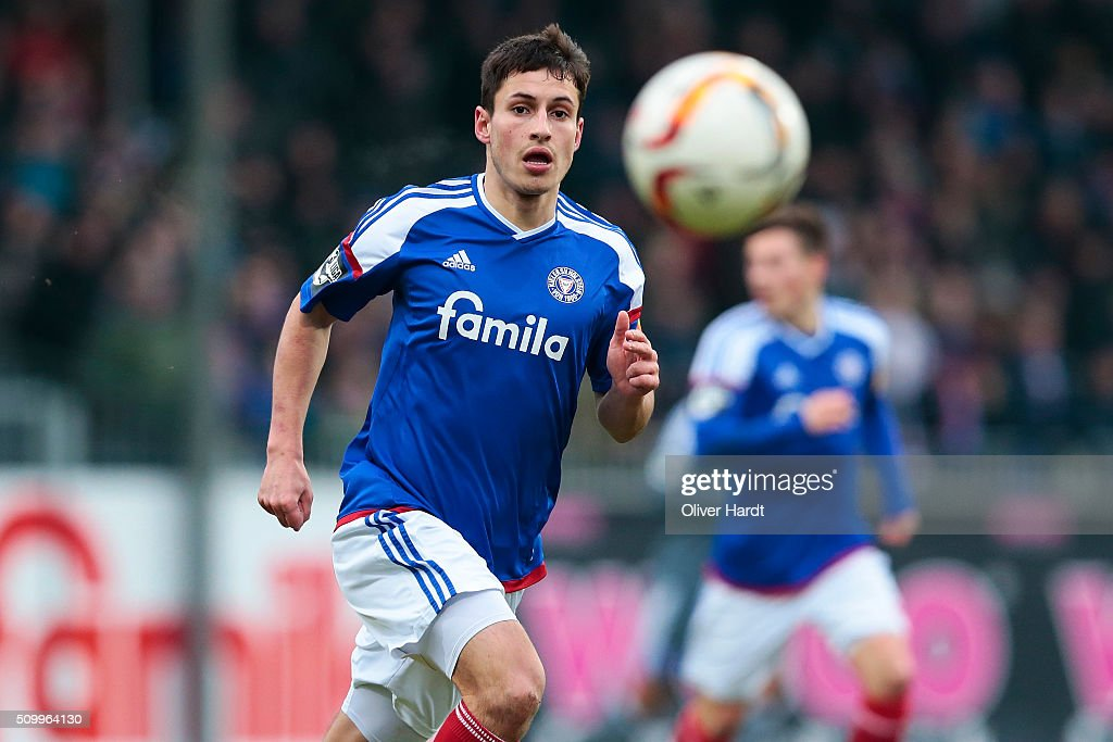 <a gi-track='captionPersonalityLinkClicked' href=/galleries/search?phrase=Fabian+Schnellhardt&family=editorial&specificpeople=5863646 ng-click='$event.stopPropagation()'>Fabian Schnellhardt</a> of Kiel in action during the 3 liga match between Holstein Kiel and VfL Osnabrueck at Holstein-Stadion on February 13, 2016 in Kiel, Germany.