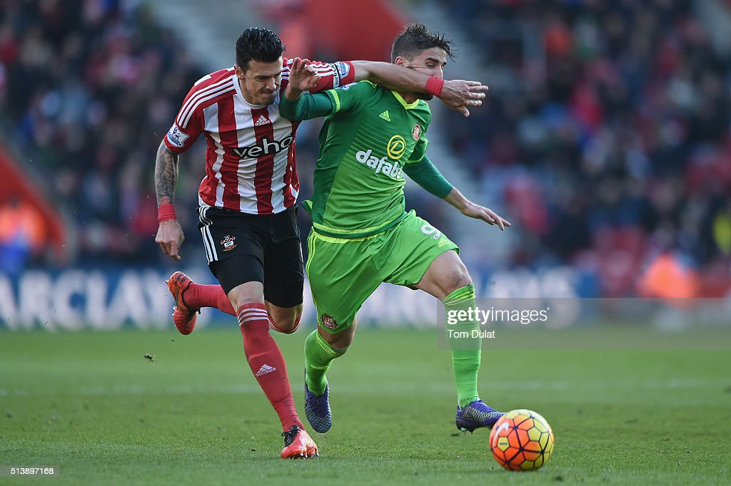 Fabio Borini of Sunderland and Jose Fonte of Southampton compete for the ball during the Barclays Premier League match between Southampton and Sunderland at St Mary's Stadium on March 5, 2016 in Southampton, England.
