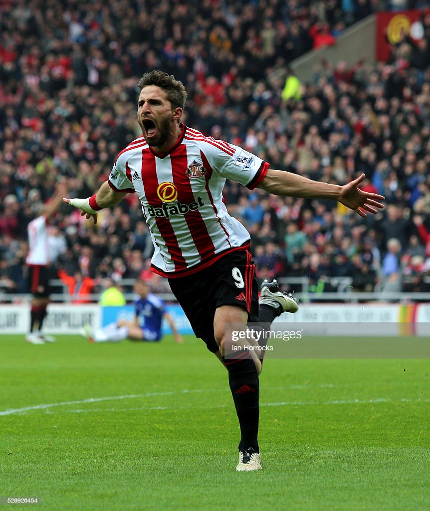 Fabio Borini of Sunderland celebrates after he scores the second Sunderland goal during the Barclays Premier League match between Sunderland and Chelsea at the Stadium of Light on May 7, 2016 in Sunderland, England.