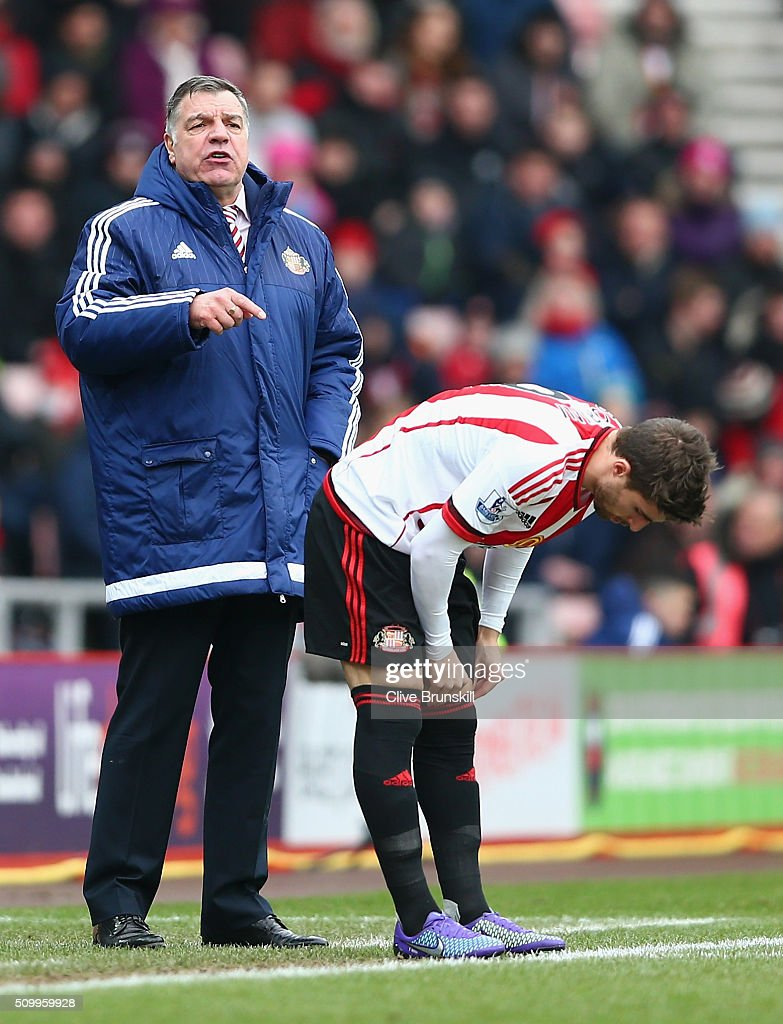 <a gi-track='captionPersonalityLinkClicked' href=/galleries/search?phrase=Fabio+Borini&family=editorial&specificpeople=5565045 ng-click='$event.stopPropagation()'>Fabio Borini</a> of Sunderland prepares on the touchline while manager <a gi-track='captionPersonalityLinkClicked' href=/galleries/search?phrase=Sam+Allardyce&family=editorial&specificpeople=214691 ng-click='$event.stopPropagation()'>Sam Allardyce</a> instructs during the Barclays Premier League match between Sunderland and Manchester United at the Stadium of Light on February 13, 2016 in Sunderland, England.