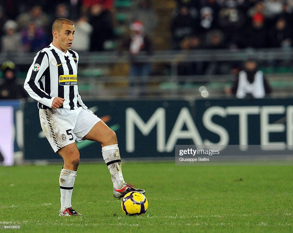 <a gi-track='captionPersonalityLinkClicked' href=/galleries/search?phrase=Fabio+Cannavaro&family=editorial&specificpeople=204335 ng-click='$event.stopPropagation()'>Fabio Cannavaro</a> of Juventus FC in action during the Serie A match between AS Bari and Juventus FC at Stadio San Nicola on December 12, 2009 in Bari, Italy.