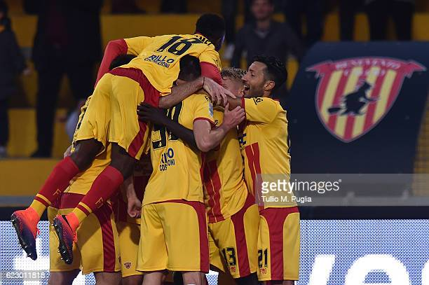 Fabio Ceravolo of Benevento celebrates with team mates after scoring the winning goal during the Serie B match between Benevento Calcio and AS...