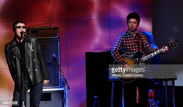 Fabio Fazio Noel Gallagher and Liam Gallagher of Oasis attend 'Che Tempo Che Fa' Italian TV Show on November 9 2008 in Milan Italy