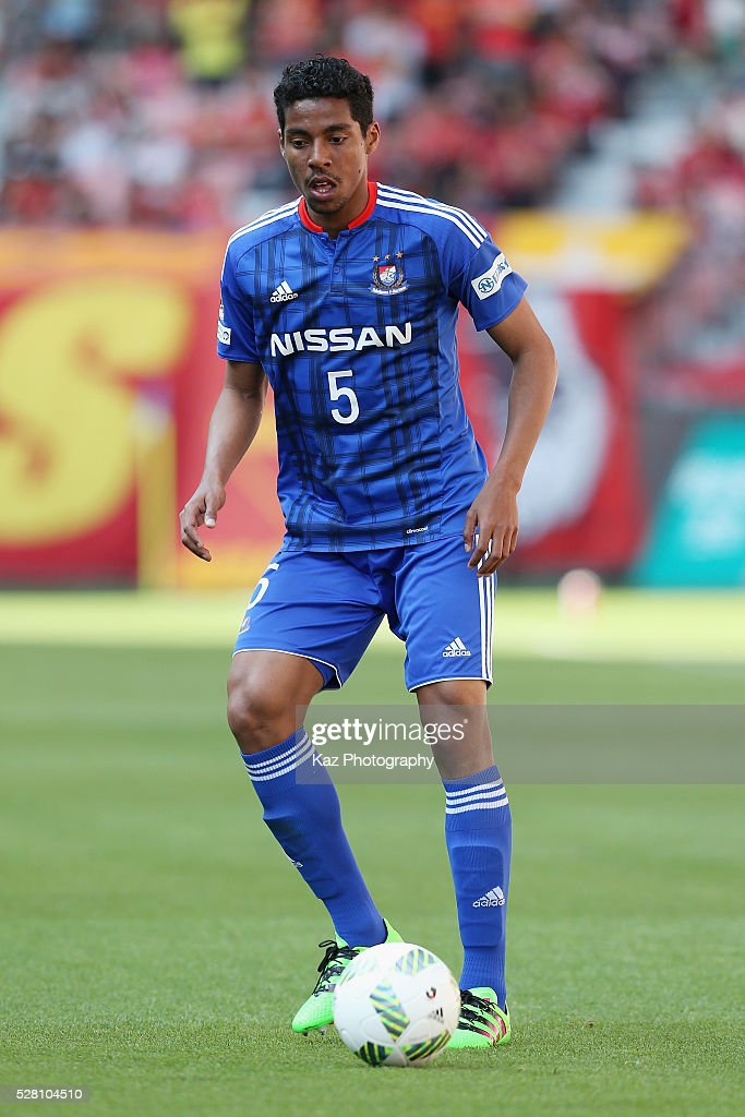 Fabio of Yokohama F.Marinos in action during the J.League match between Nagoya Grampus and Yokohama F.Marinos at the Toyota Stadium on May 4, 2016 in Toyota, Aichi, Japan.
