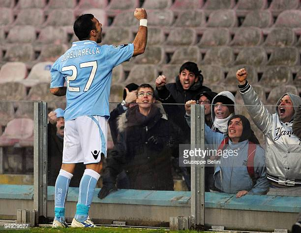 Fabio Quagliarella of Napoli celebrates his 20 goal with fans during the Serie A match between Napoli and Chievo at Stadio San Paolo on December 20...