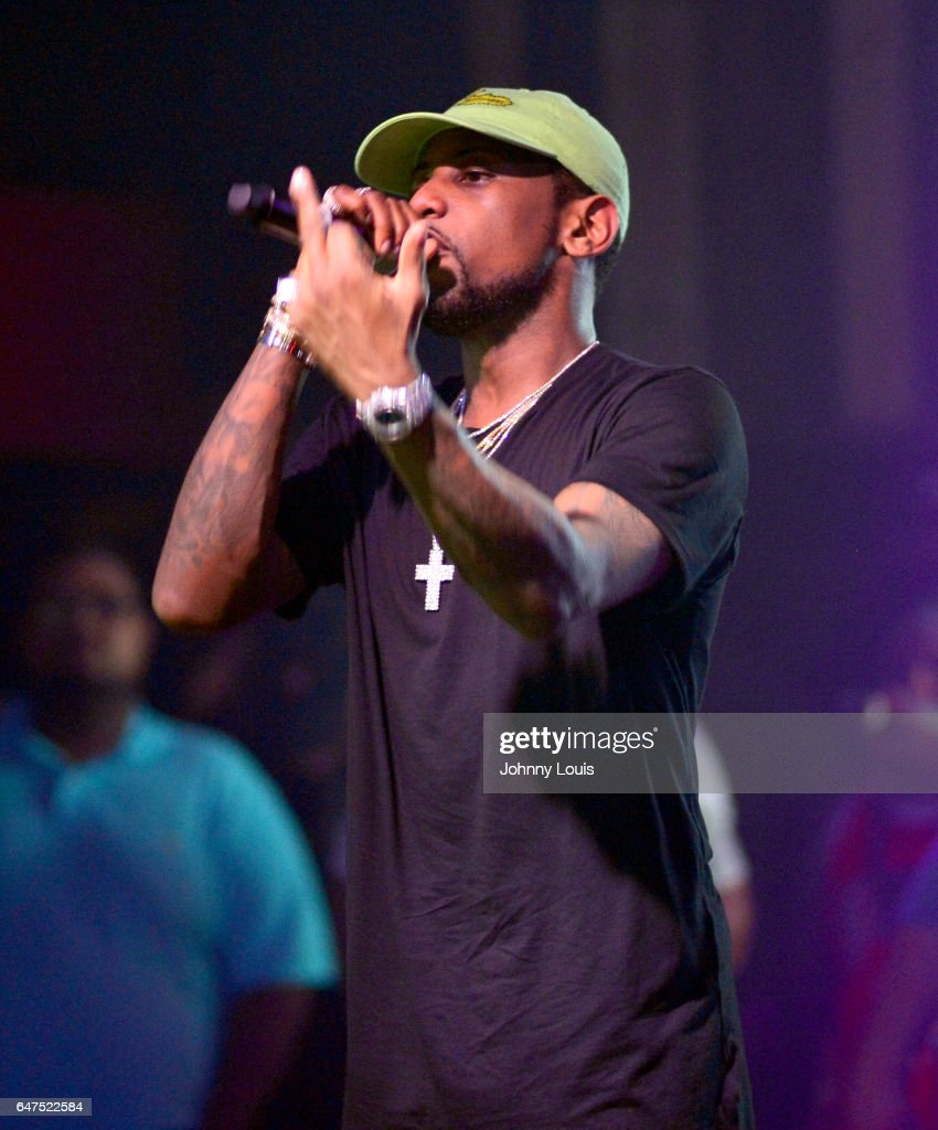 Fabolous performs onstage during 'Freddy Vs Jason Tour' at Revolution Live on March 2, 2017 in Fort Lauderdale, Florida.