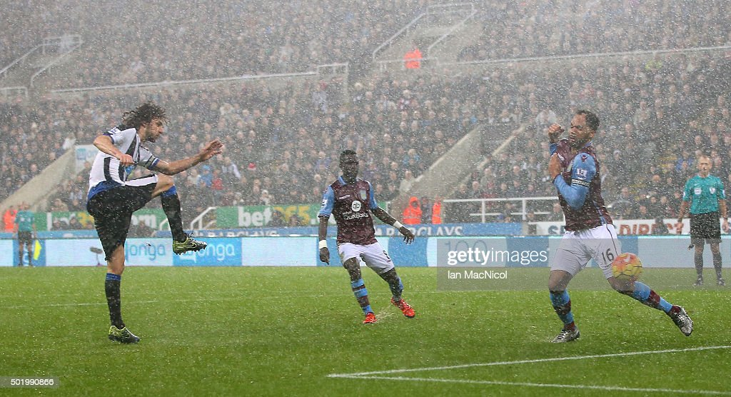 Fabricio Coloccini of Newcastle United scores his team's first goal during the Barclays Premier League match between Newcastle United and Aston Villa at St James' Park on December 19, 2015 in Newcastle upon Tyne, England.