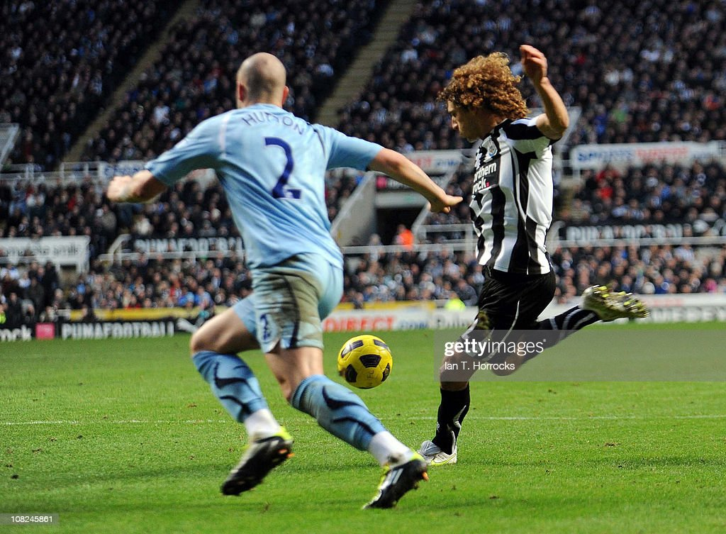 Fabricio Coloccini scores the opening goal during the Barclays Premier league match between Newcastle United and Tottenham Hotspur at St James' Park on January 22, 2011 in Newcastle upon Tyne, United Kingdom.
