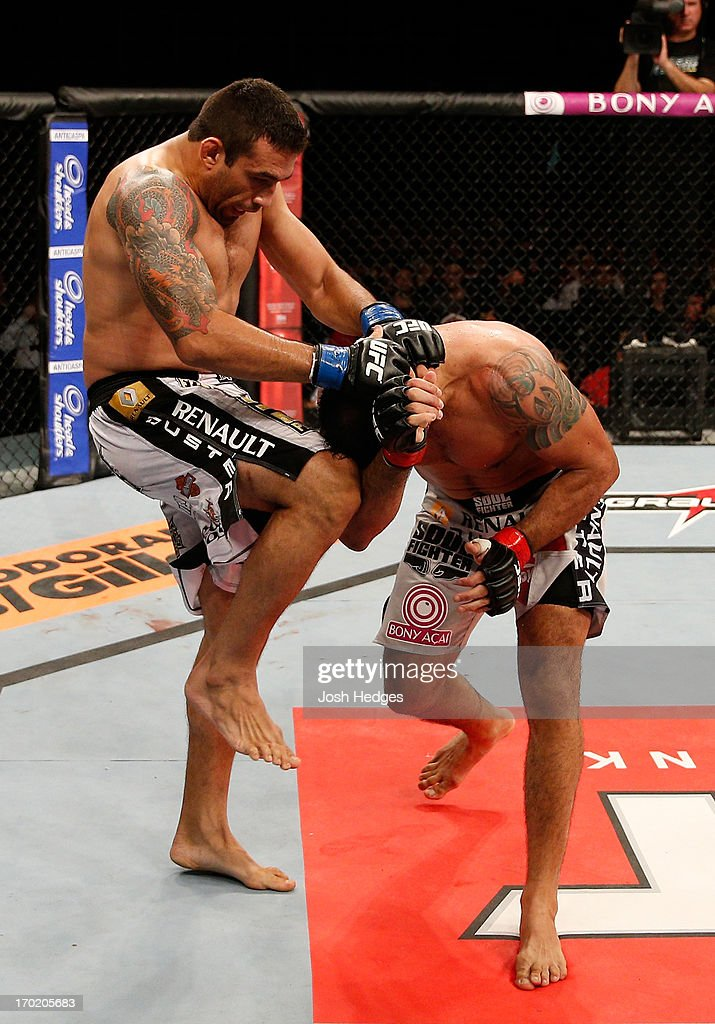 <a gi-track='captionPersonalityLinkClicked' href=/galleries/search?phrase=Fabricio+Werdum&family=editorial&specificpeople=4254260 ng-click='$event.stopPropagation()'>Fabricio Werdum</a> knees Antonio Rodrigo 'Minotauro' Nogueira in their heavyweight fight during the UFC on FUEL TV event at Paulo Sarasate Arena on June 8, 2013 in Fortaleza, Ceara, Brazil.