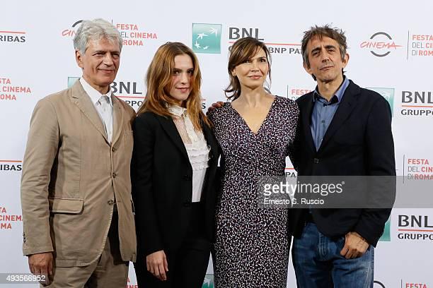 Fabrizio Bentivoglio Isabella Ragonese Maria Pia Calzone and Sergio Rubini attend a photocall for 'Dobbiamo Parlare' during the 10th Rome Film Fest...