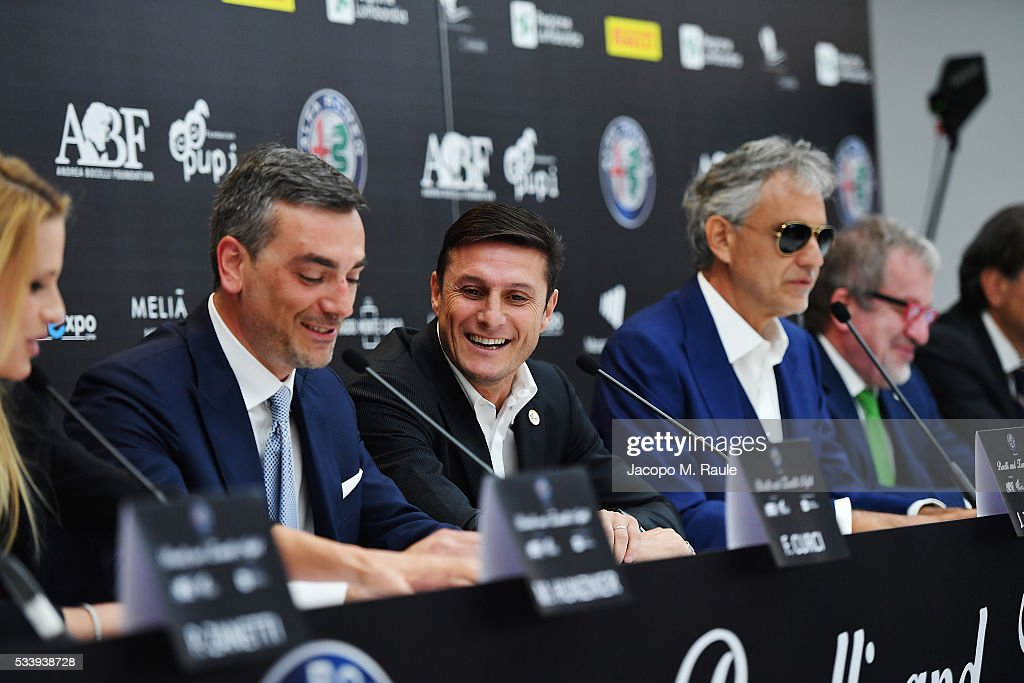 Fabrizio Curci, <a gi-track='captionPersonalityLinkClicked' href=/galleries/search?phrase=Javier+Zanetti&family=editorial&specificpeople=206966 ng-click='$event.stopPropagation()'>Javier Zanetti</a>, <a gi-track='captionPersonalityLinkClicked' href=/galleries/search?phrase=Andrea+Bocelli&family=editorial&specificpeople=211558 ng-click='$event.stopPropagation()'>Andrea Bocelli</a> and <a gi-track='captionPersonalityLinkClicked' href=/galleries/search?phrase=Roberto+Maroni&family=editorial&specificpeople=665299 ng-click='$event.stopPropagation()'>Roberto Maroni</a> attend Bocelli and Zanetti Night press conference on May 24, 2016 in Arese, Italy.
