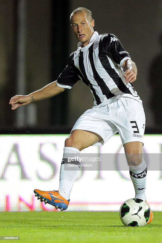 Fabrizio Grillo of AC Siena in action during the Serie B match between AC Siena and US Citta di Palermo at Artemio Franchi - Mps Arena on October 21, 2013 in Siena, Italy.